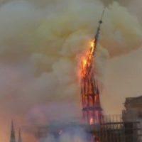 Notre Dame. Ferita per il mondo
